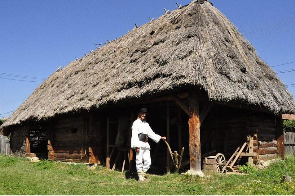Muzeul Etnografic Badea Cârțan